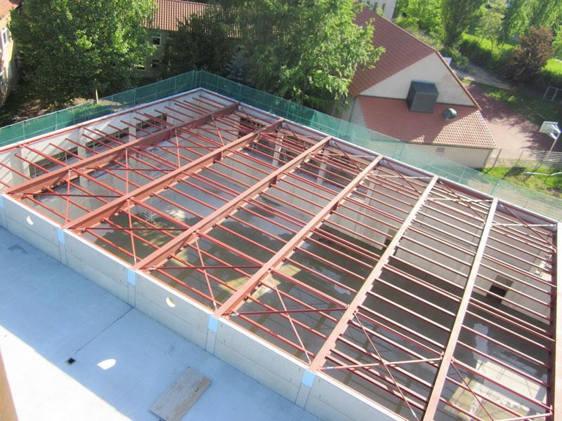 Stahl- & Metallbau Bernd Halfpap GmbH | Referenz | Stahlkonstruktion für die Überdachung der Turnhalle